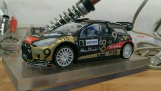 Rehaciendo coches... Citroen DS3 1/24